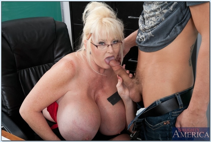 Delaremore recommends Hot nude young blowjobs