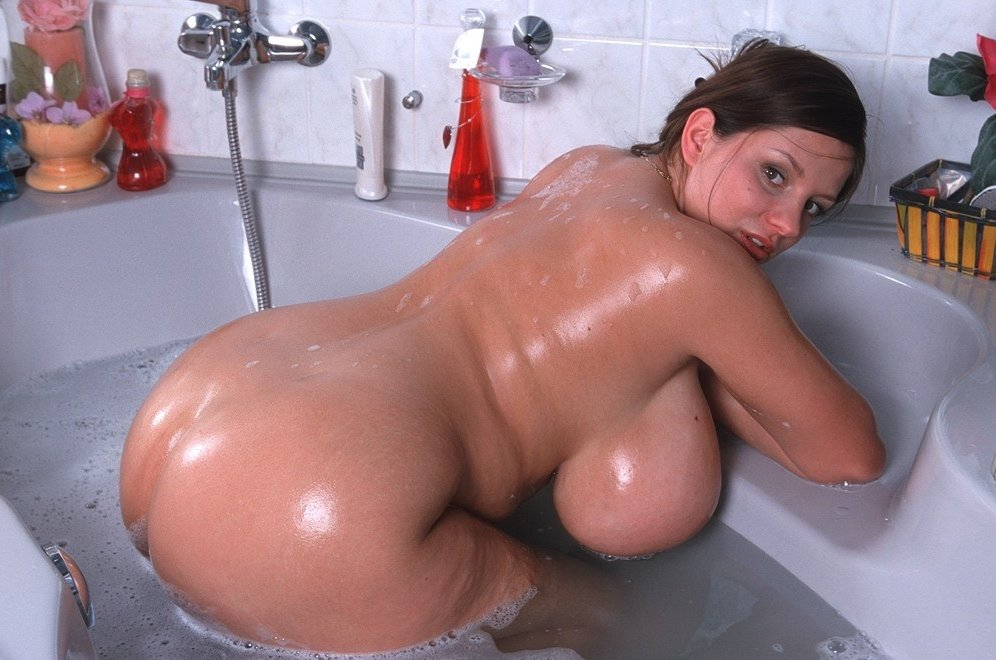 Bugay recommend Latina close up pussy