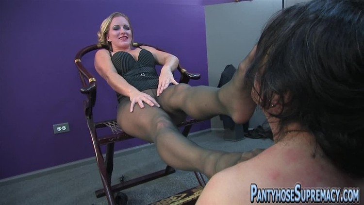 Tommie recommend Gigantic dildo stuffs pussy