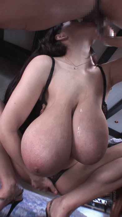 Forpahl recommend Threesome cum swap porn