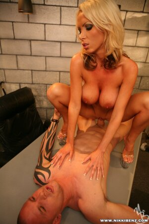 Patience recommends Milf gives poolboy a footjob